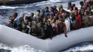 Spania, ajutată de CE cu bani în gestionarea fluxului de migranţi