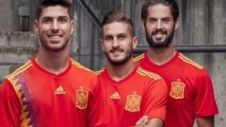 Spaniolii cer schimbarea echipamentului din motive politice