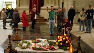 Spaniolii, obligaţi prin instanţă să scape de simbolurile fostei dictaturi