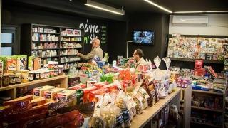 Hyper-mașinăria de retail continuă invazia cartierelor