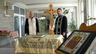 Pacienții și personalul medical vor lua Lumina Sfântă de la Capela Spitalului Județean