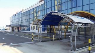 Stand de promovare a României în terminalul de pasageri din port