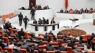 Parlamentul Turciei aprobă prelungirea cu trei luni a stării de urgenţă