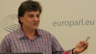 După Verhofstadt, Norica Nicolai îl amendează și pe olandezul Timmermans