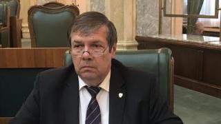 """Senatorul Mihu: """"Diminuarea vacanței de vară aduce deservicii turismului"""""""