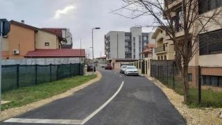 A opta stradă de pământ asfaltată într-un cartier constănțean