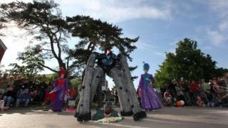 Cum şi unde se desfăşoară Festivalul Internaţional de Stradă ART DISTRICT