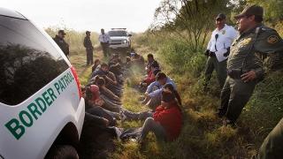 Emoții în SUA: prima operațiune a administrației Trump de expulzare de imigranți ilegali