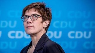 Succesoarea lui Merkel apără industria diesel