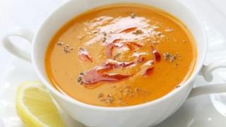Un preparat delicios de post - supa cremă de linte