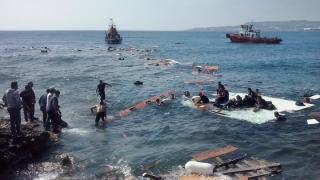Sute de migranţi, salvaţi în ultimul moment! Vezi unde