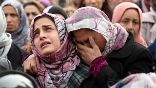 Sute de mii de sirieni, protejaţi de