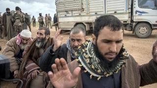 Sute de militanţi islamişti, evacuaţi din ultima enclavă rebelă din Siria