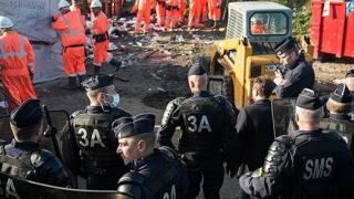 Tabără de migranţi, evacuată a 22-a oară! La Roma!