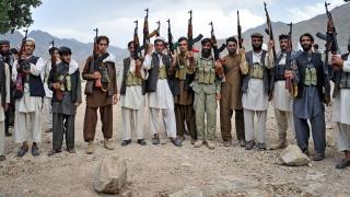 Talibanii, împotriva privatizării războiului din Afganistan. I-au scris o scrisoare lui Trump