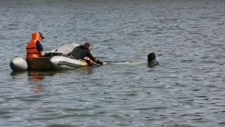 Tată disperat! Fiul a dispărut cu o ambarcațiune pe mare!