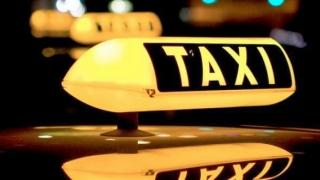 """Incredibil! """"Taxă de bagaj"""" de 10 lei la taxi, pretinsă unor turiști străini"""