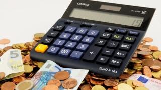 Taxele au fost amânate oficial până în 25 octombrie
