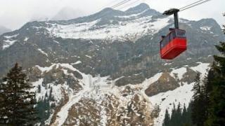 Mai mulți turişti, răniţi din cauza unei defecţiuni tehnice a telecabinei de la Bâlea Lac