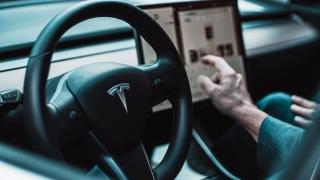 Tesla a devenit a cincea cea mai valoroasă companie de pe Wall Street