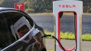 Tesla vrea să se extindă în Europa, cu un model compact