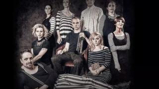 Eveniment la Teatrul de Stat: Trupa britanică MayDays improvizează pe tema '' Cultură dobrogeană''