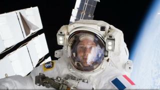 Doi astronauți ce au ieșit în spațiu pentru lucrări au revenit la bordul ISS după 6 ore