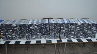 Zeci de mii de ţigarete de contrabandă, confiscate de polițiștii constănțeni