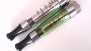SUA interzice ţigările electronice cu arome