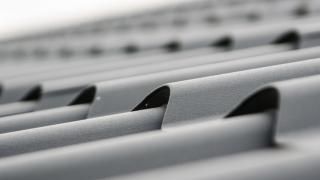 Acoperișul din ţiglă metalică - soluția prietenoasă atât pentru mediu, cât și pentru portofelul tău