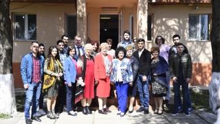 Tinerii social democrați au împărțit daruri vârsticilor din azile