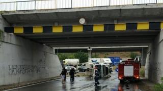 Accident grav la Cernavodă! Un tir s-a răsturnat iar șoferul este încarcerat!