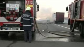 Un tir a luat foc pe autostradă, în dreptul localității Medgidia!