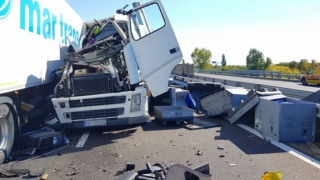 Morţi şi mulţi răniţi! Un TIR românesc, implicat într-un accident cumplit