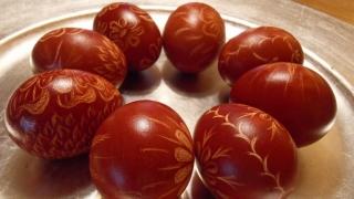 Tradiții de Paște. Ouăle, mielul, pasca
