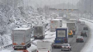 Recomandările Poliției Rutiere pentru șoferi, pe timp de iarnă