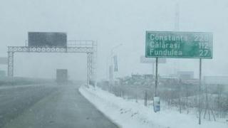Trafic în condiții de iarnă! Vezi pe ce trasee!