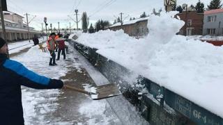 Traficul feroviar se desfășoară în condiții normale de iarnă pe toate magistralele