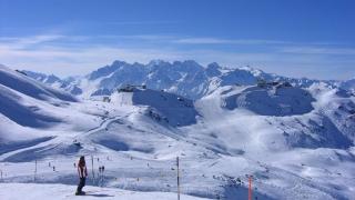 Tragedie la ski! Trei persoane au murit într-o avalanşă, în Elveţia
