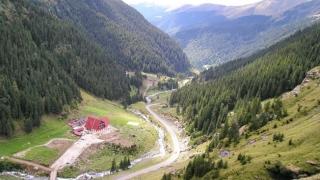 Circulaţia pe Transfăgărăşan, blocată din cauza aluviunilor