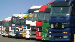 Transportatorii cer intervenția Guvernului pentru aplicarea Ordonanței RCA