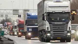 Transportatorii sar la gâtul cartelului din asigurări