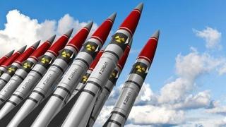 Tratatul Forțelor Nucleare, mărul atomic al discordiei. SUA fac schimb de replici tăioase cu Rusia