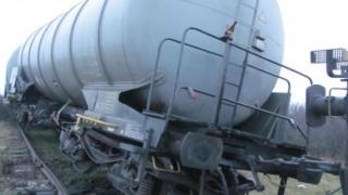 ALERTĂ  în Caraș-Severin! Un vagon cu substanțe periculoase a deraiat