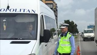 Șofer prins băut la volanul unui microbuz plin de călători