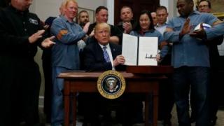 Trump stă cu mâna pe pix: Suprataxarea oțelului ar putea intra în vigoare vineri, 1 iunie!