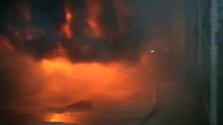 Incendiu puternic la un depozit din Tulcea