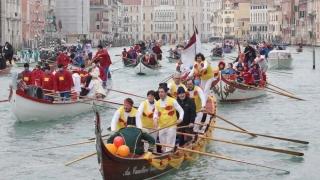 Tulnicăresele române din Alba, în recital la Carnavalul de la Veneția