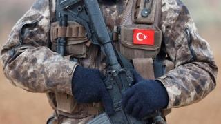"""Turcia: Cine sprijină pe kurzii de la YPG devine o """"ţintă legitimă"""""""