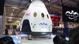 Turism spațial în jurul Lunii, în 2018, cu ajutorul SpaceX și NASA